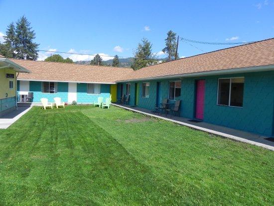 Naramata Courtyard Suites