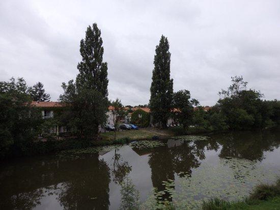 Velluire, Prancis: photo0.jpg
