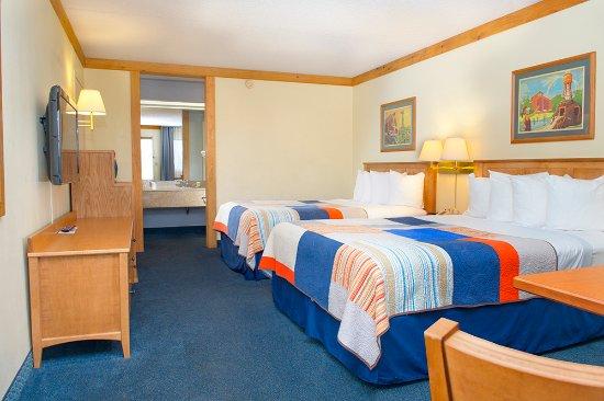 Grand Country Resort: Double Queen Room