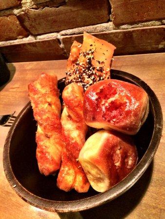 L'Abattoir Restaurant: bread basket