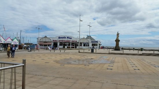 Lowestoft, UK: South Pier