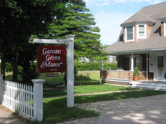 Gansett Green Manor: The Innkeepers Cottage