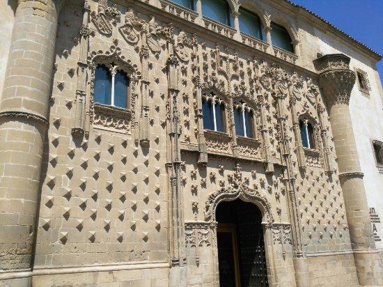 Palacio de Jabalquinto, Baeza, Jaén - Picture of Palacio de Jabalquinto, Baez...
