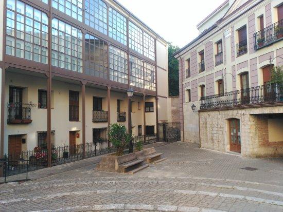 Plaza Viejo Coso: Una de las entradas