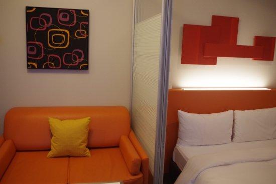 Citadines Shinjuku Tokyo: Bed and sofa bed