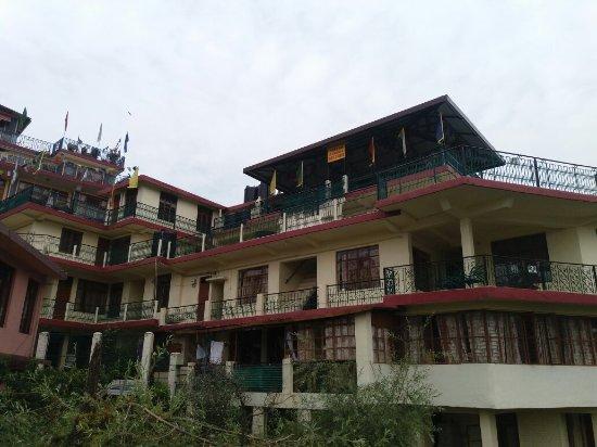 Tibetan ashoka guest house updated 2017 hotel reviews for Ashoka ala maison price