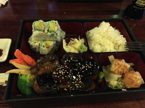 Wethersfield, CT: Beef negamaki lunch bento box