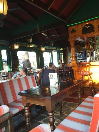 Shamrock's Irish Pub: photo0.jpg