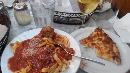 Mamma Martino's : Fettucini Meatball with pizza on side