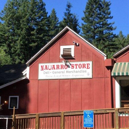 Navarro, Kaliforniya: store