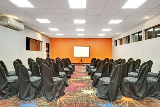 Woodbury, NY: Meeting Room