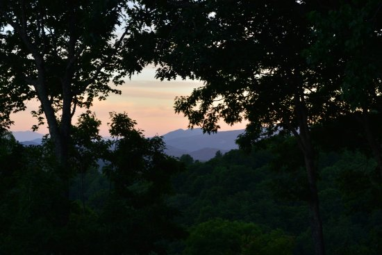 Jackalope's View : A beautiful sunset view of Grandfather Mountain.