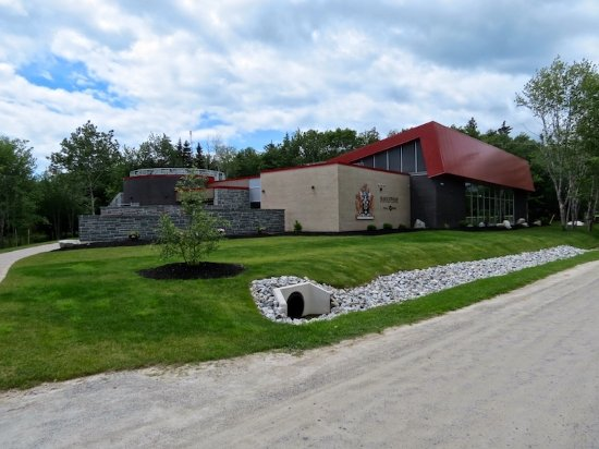 Shelburne, Canada: From outside