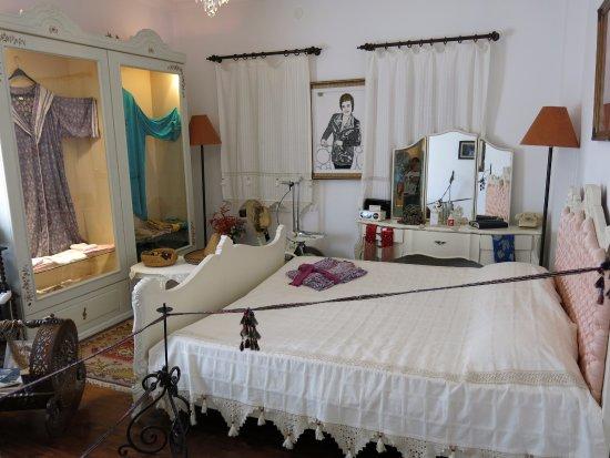 Schlafzimmer  Schlafzimmer - Zeki Müren Sanat Müzesi, Bodrum Resmi - TripAdvisor