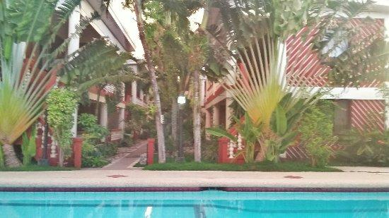 Tonglen Beach Resort: 20160613_180743-01_large.jpg