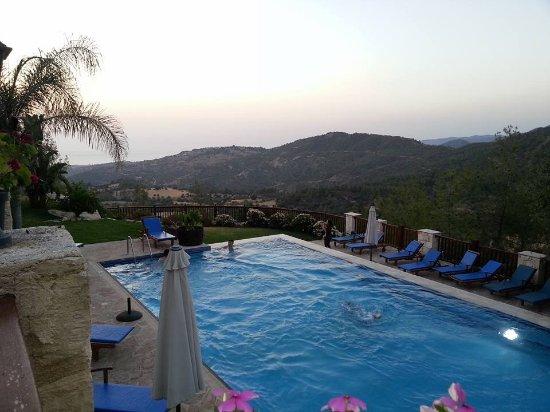 Paradisos Hills Foto