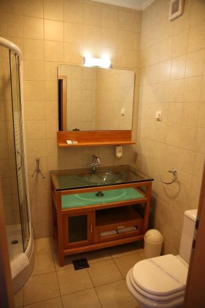 Berkeley Hotel: spacious bathroom