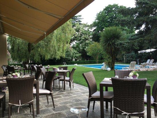 Elegant blue dream hotel terrazza e giardino with terrazze for Giardino in terrazza