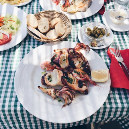 Es Llombards, Spagna: Squid and sword fish