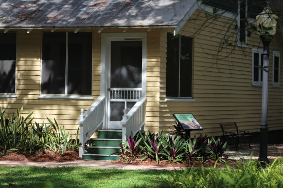 Collier County Museum: One of the historic cottages