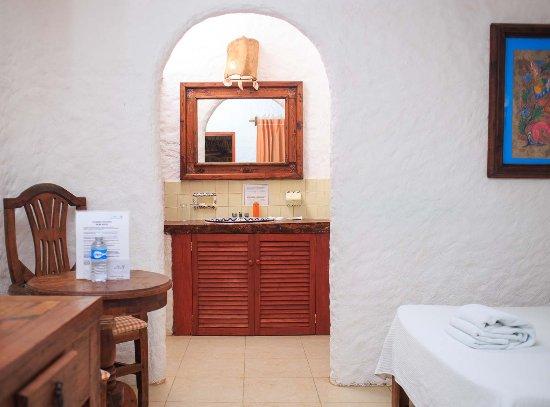 Hotel Casa Barbara: Superior Hibiscus Room