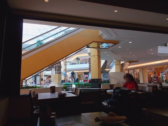 California Pizza Kitchen Somerset Mall Troy Michigan Picture Of