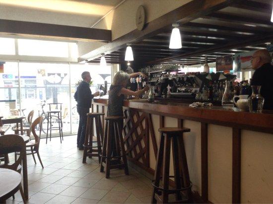 Le Molay-Littry, Francia: Bar de la Foret