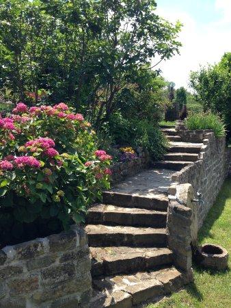 Cossano Belbo, İtalya: Garten