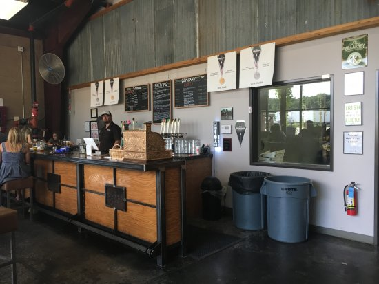 Shannon Brewing Company: Shannon Brewery Tasting Room