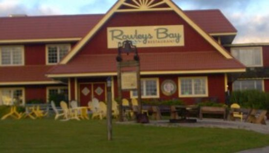 Rowleys Bay Resort: In front of the Pub, where the Fish Boil takes place.