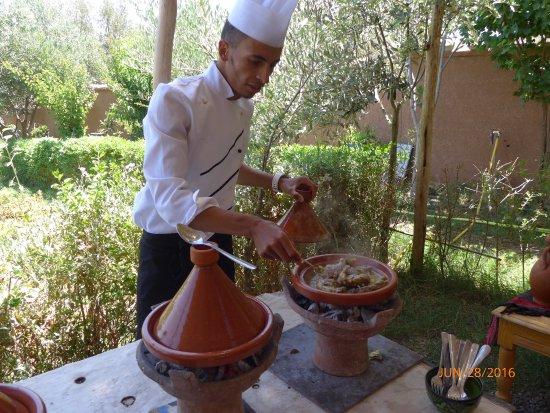 We made tajines picture of atelier de cuisine chef tarik for Atelier cuisine marrakech