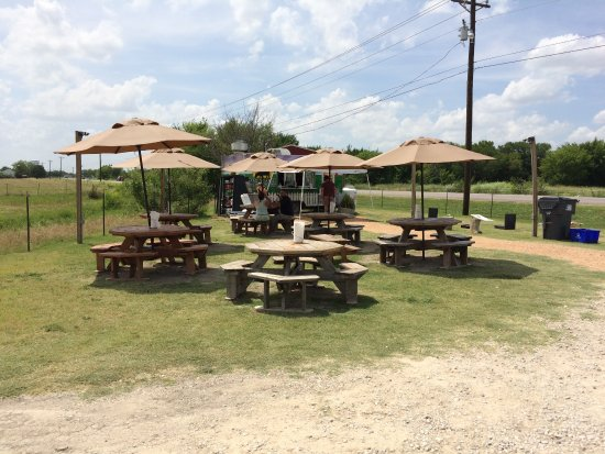 Kelly Family Farms Burger Stand: Picnic Tables With Umbrellas