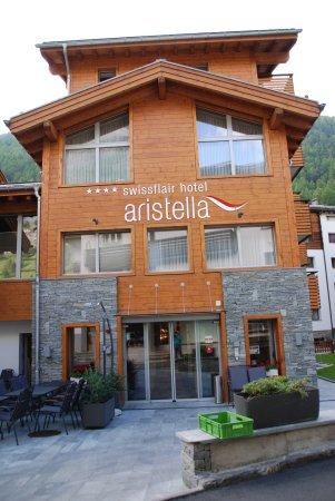 Hotel Aristella swissflair: Aussenansicht Eingang