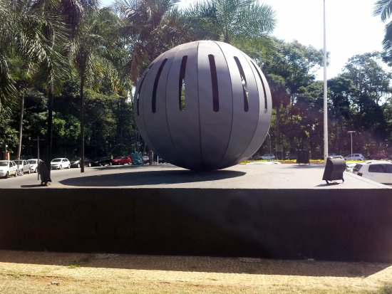 Monument to the Dead and Missing in the Fight Against Military Dictatorship