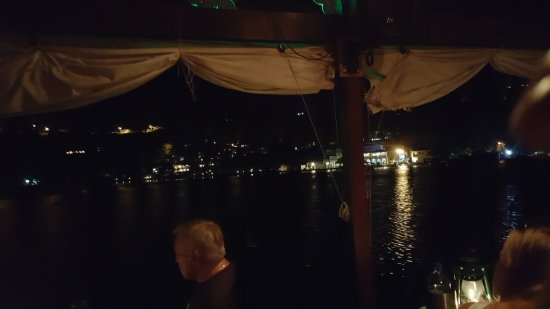 Rainforest Hideaway: View of the harbor from our table