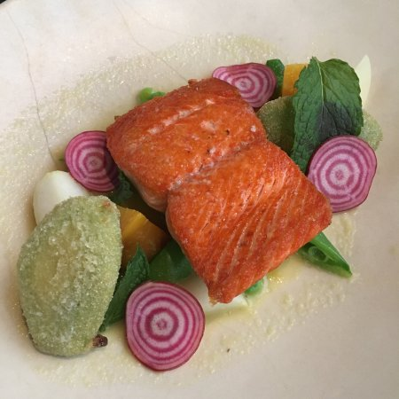 West Kelowna, Canadá: My salmon was beautifully prepared and presented. The rigatoni with ragu appetizer was fantastic