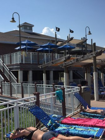 Waveland, MS: Pictures of the campground pool and the wave pool.