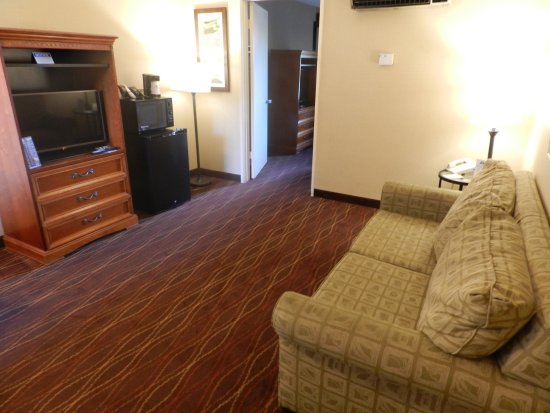Days Inn and Suites San Diego Near Sea World: Suite