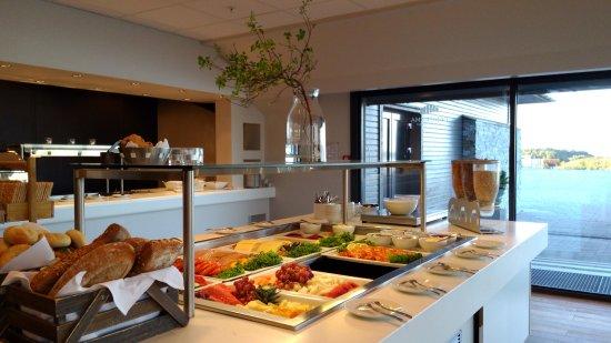 Steinsland, Norway: 早餐種類繁多又新鮮味美 讓人一天的心情都提振