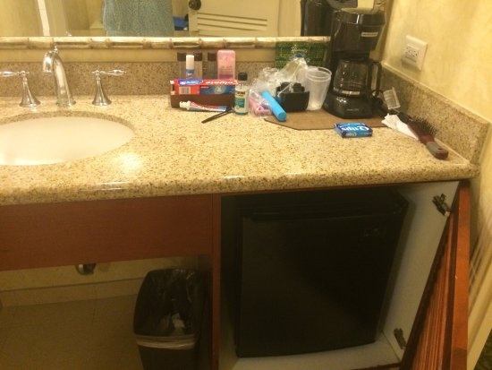 Bathroom Sinks Honolulu ice machine on every floor, lots of stores in the hotel. the