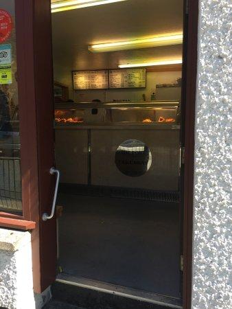 Fort Cafe: hier zum Mitnehmen, links gehts ins Café