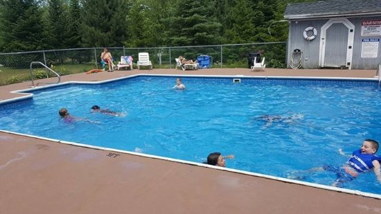 Abbot Village, ME: Five hours in the pool!