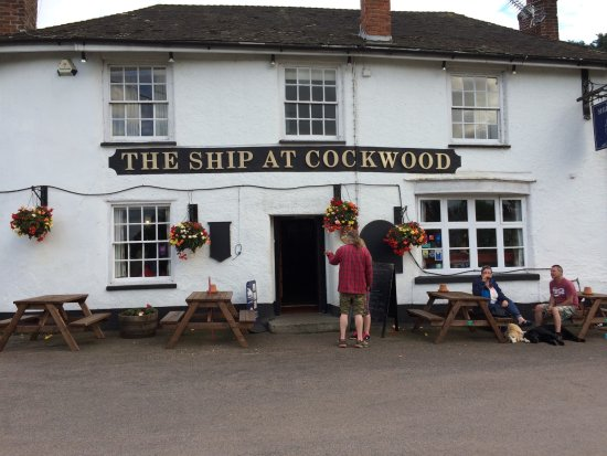 Starcross, UK: Front of Pub
