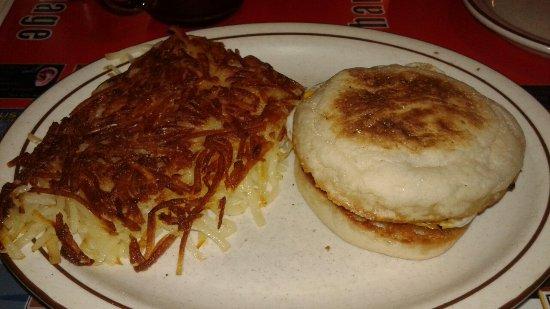 Sparky's Cafe: Breakfast sandwich