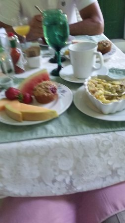 Crystal River Inn B&B, LLC: Anniversary breakfast