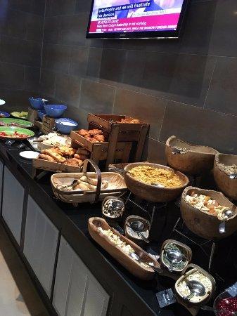 راديسون بلو إدوارديان ميرسر ستريت هوتل: Breakfast buffet