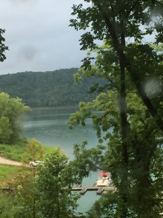 The Retreat At Center Hill Lake: photo1.jpg