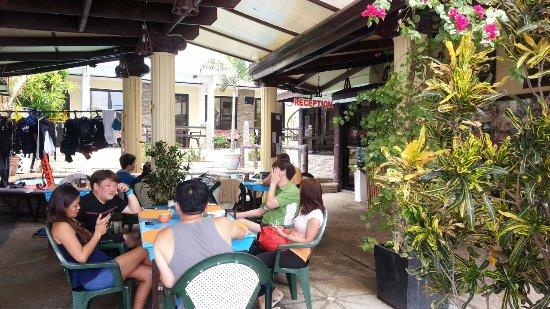Sabang Inn Beach & Dive Resort: Restaurant area