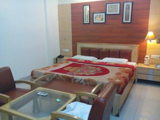 Hotel Aaditya Continental