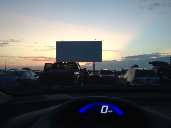 ‪Bay Drive-In Theater‬